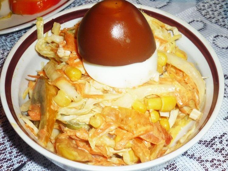 Салат «Осенняя фантазия» с капустой, куриной грудкой и морковью