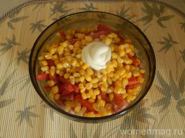 Салат «Регата» с кукурузой и сыром