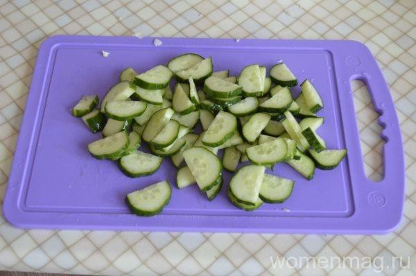 Лёгкий салат из свежей зелени на каждый день с оливковым маслом