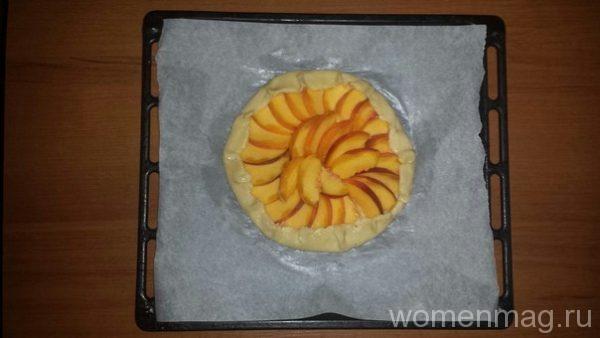 Галета с персиками