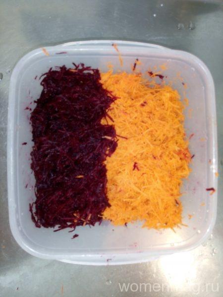 Свекольник: тертые свекла и морковь