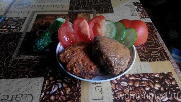Рыбные котлеты с салом и картофелем