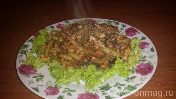 Теплый салат с курицей в тайском стиле