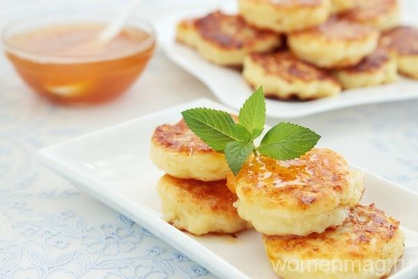 Сырники с манкой на сковороде