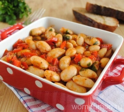 Тушеная фасоль с овощами