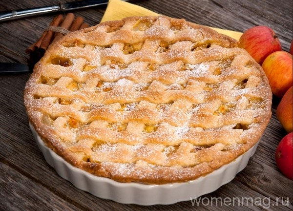 Яблочный пирог с решёткой