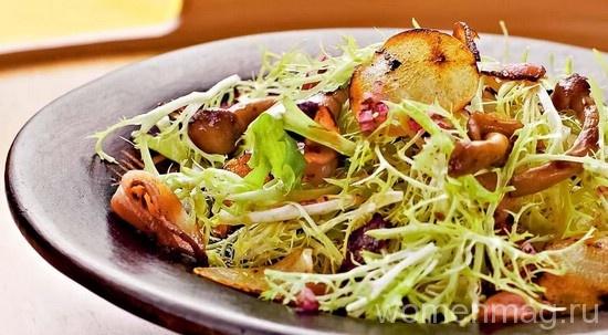 Салат из запечённых овощей с грибами