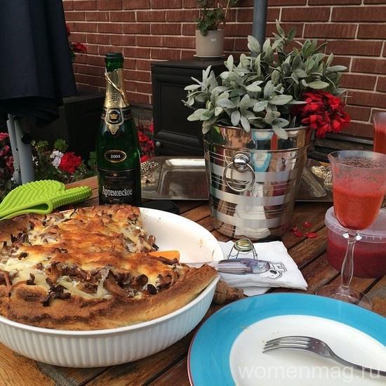 Заливной пирог с лисичками и картошкой