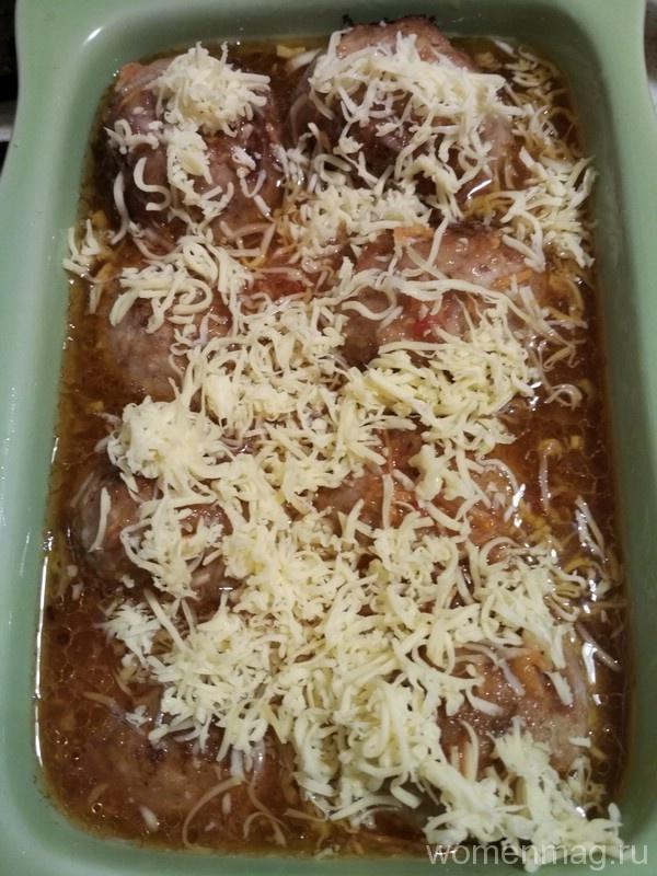 Фрикадельки, запеченные в томатном соусе