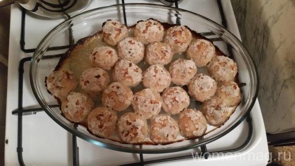 Запеченные куриные тефтели в духовке