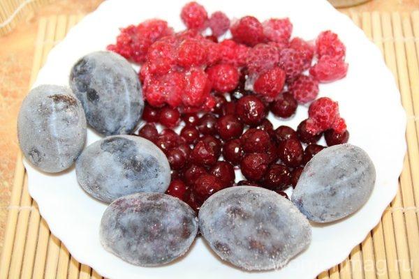 Ванильный кисель из замороженных садовых ягод