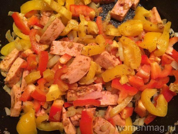 Острые колбаски с рисом