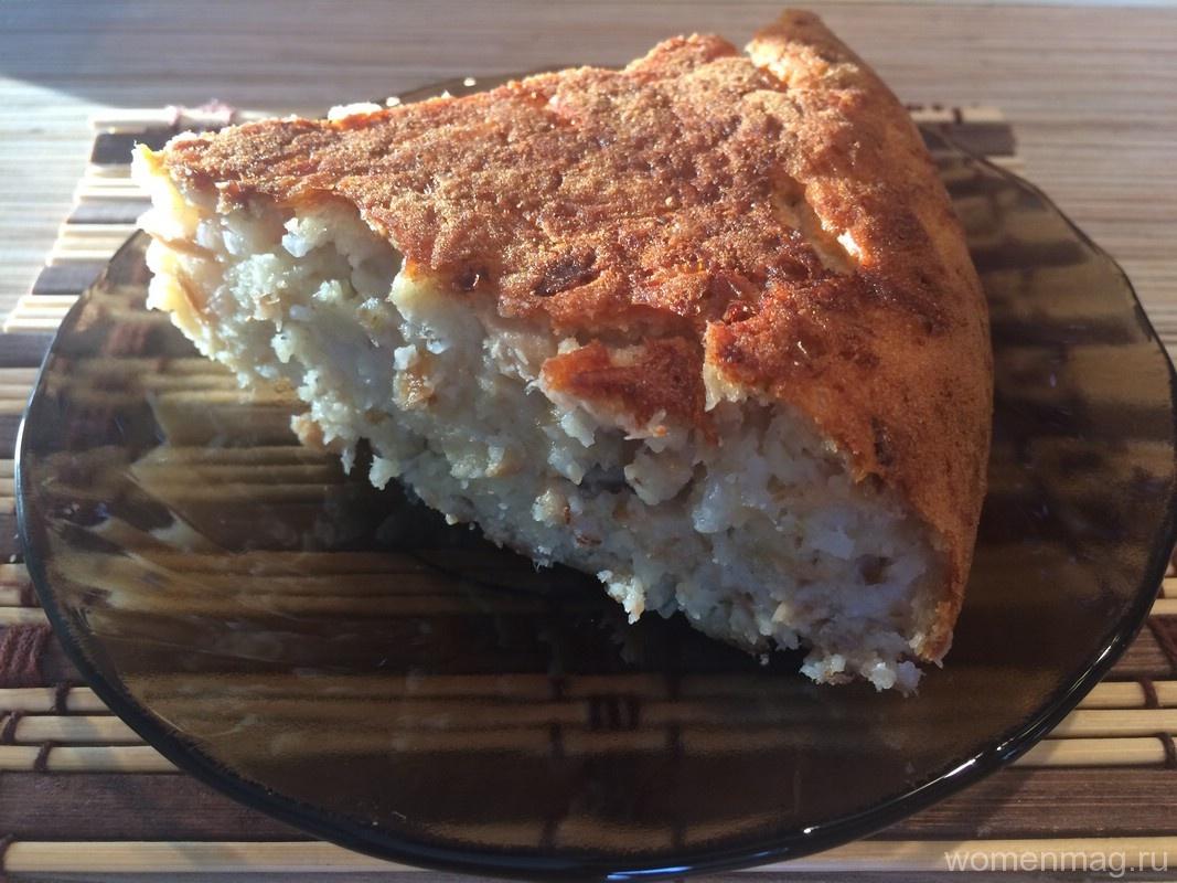 Быстрый рыбный пирог с рисом в мультиварке