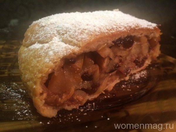 Яблочный штрудель с грецкими орехами и изюмом в мультиварке