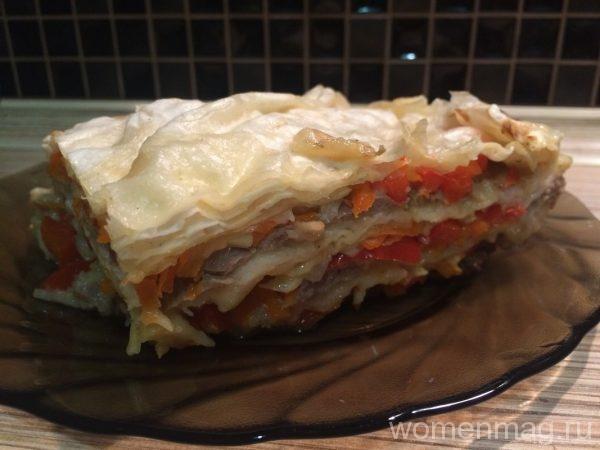 Слоеный пирог из лаваша с куриным фаршем в мультиварке