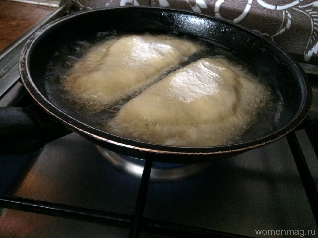 Чебуреки рецепт с фото пошаговый на сковороде