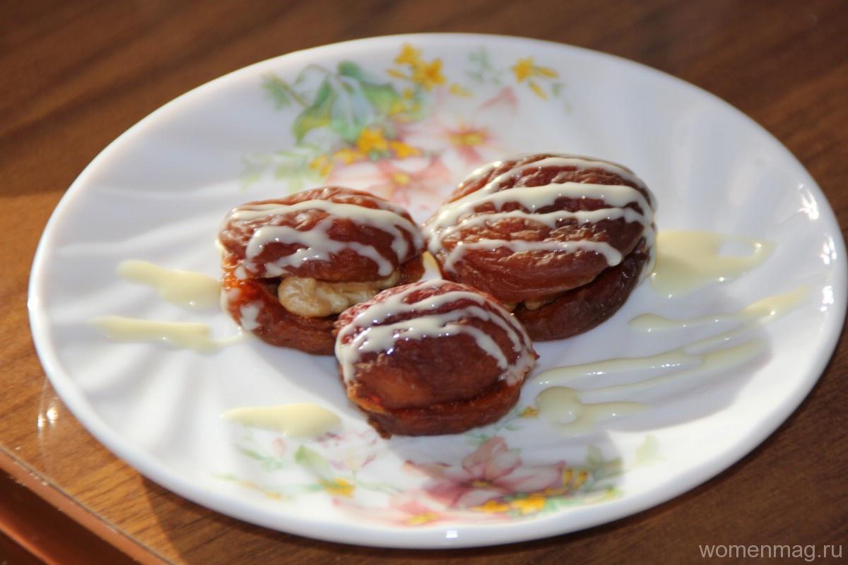 Десерт из урюка с грецким орехом и сгущенкой «Восточная сказка»