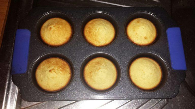 как готовить кексы в силиконовых формочках в духовке