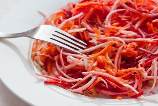 Салат из моркови для очищения организма и похудения