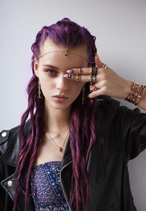 Темно лиловый цвет волос