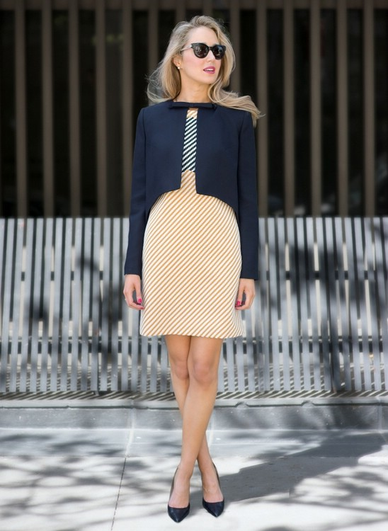 cbe784d76267a9c С чем носить платье-футляр в офис: идеи образов