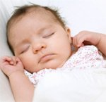 Во сне дети прибавляют в росте и весе