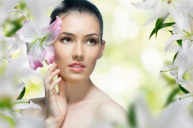 Каждой женщине необходима ухаживающая косметика