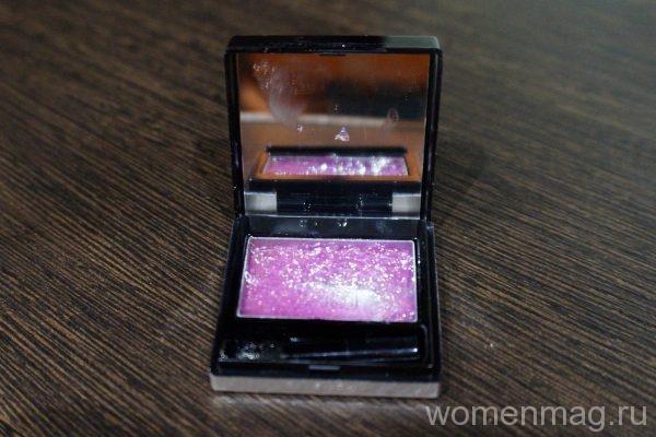 Соблазняющие губы с блеском для губ Givenchy Logo Sunkissed Gloss Violet