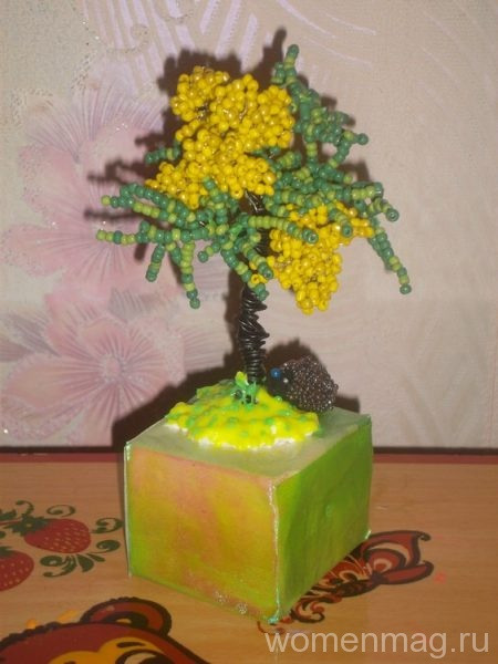 Дерево-мимоза из бисера