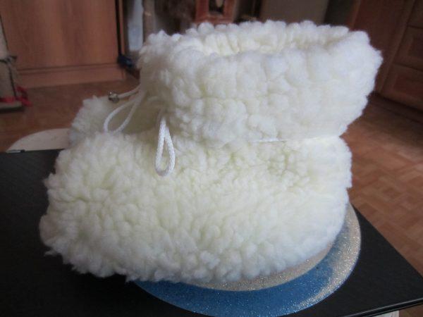 Сапожки из овечьей шерсти