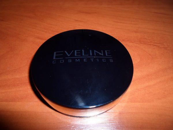 Минеральная компактная пудра Eveline cosmetics Celebrities Beauty