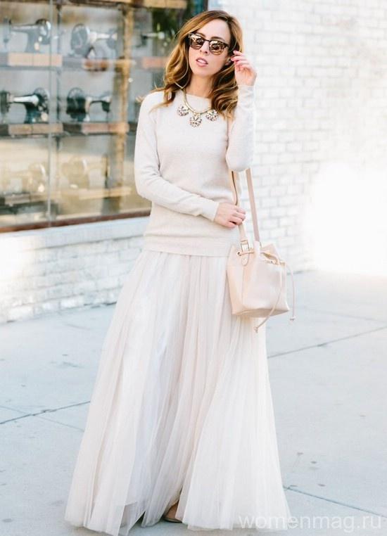 Миниатюрные женщины не могут носить длинные платья и юбки