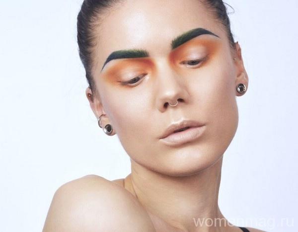 В моде акварельный макияж глаз