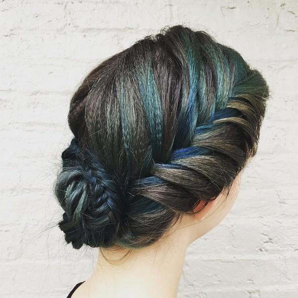 В моде гофрированные волосы