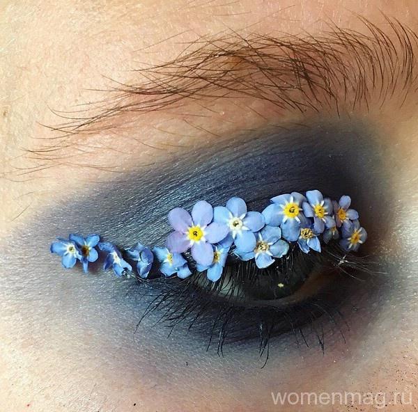 Макияж с цветами