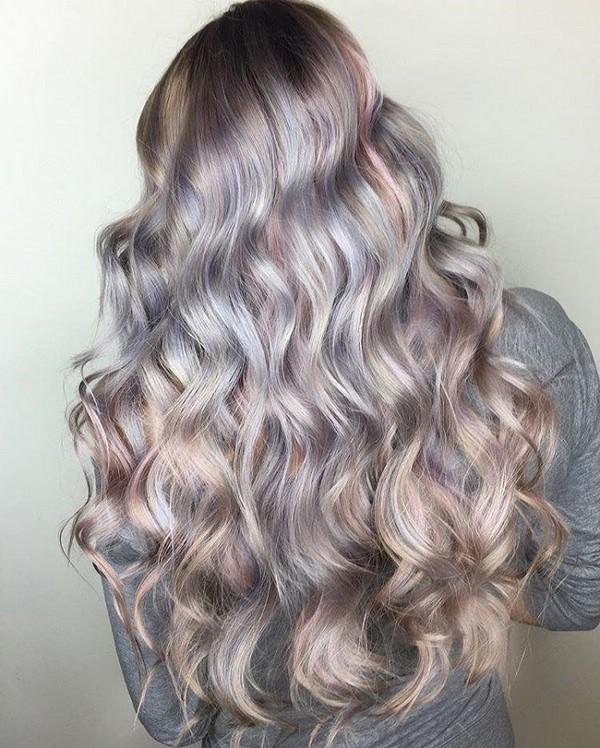 В тренде жемчужный цвет волос