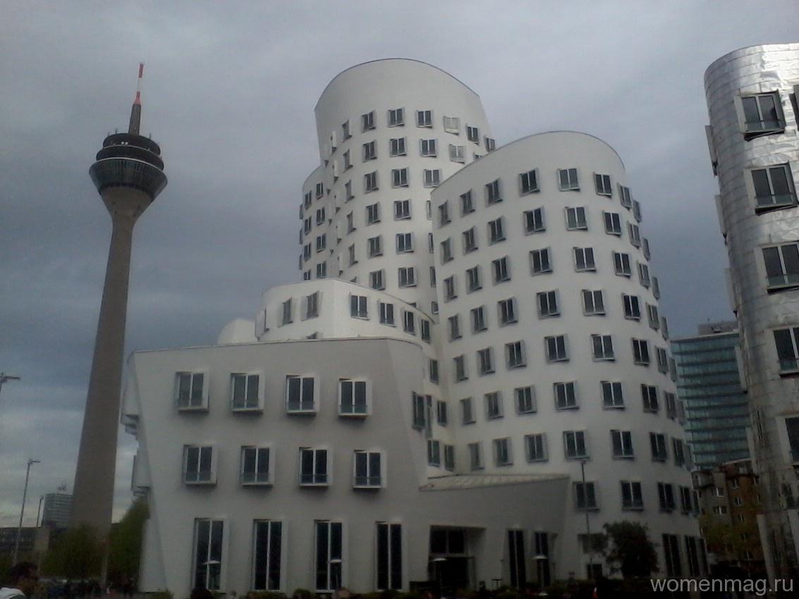 Neuer Zollhof (Новая таможня) в Дюссельдорфе