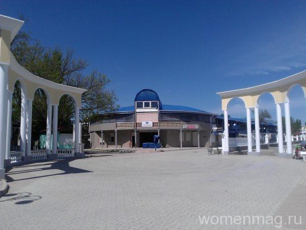 Набережная имени Горького в Евпатории
