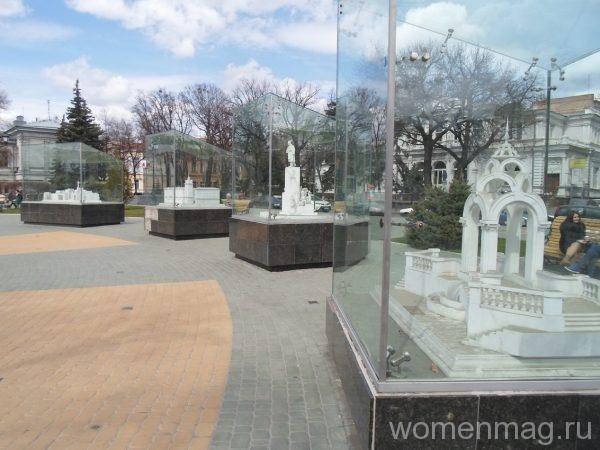 Памятник влюбленным в Харькове