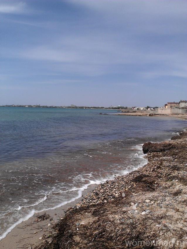 Пляж при пансионате «Трехгорка» в Евпатории