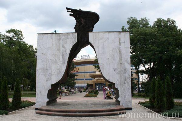 Мемориал чернобыльской славы участникам ликвидации последствий аварии на ЧАЭС в Донецке