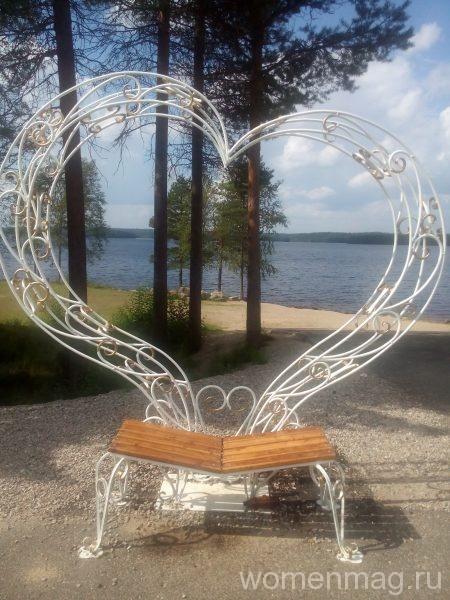 Костомукша - лавочка для влюбленных