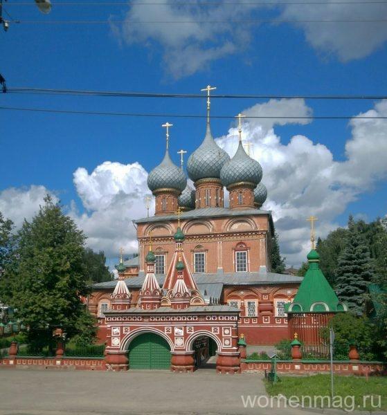 Один из женских монастырей в Костроме