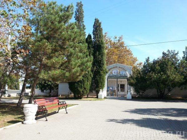 Достопримечательности Севастополи: площадь Нахимова