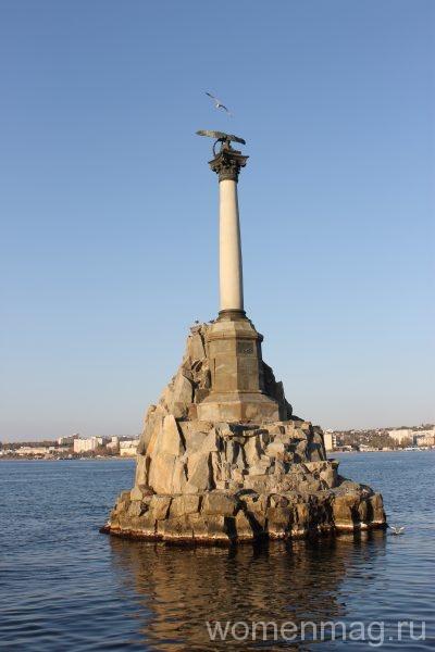 Достопримечательности Севастополи: памятник Затопленным кораблям